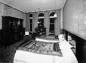 Royal Avenue Hotel Belfast bedroom